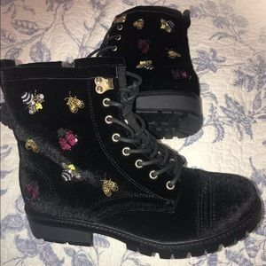 New Betsey Johnson new boots size 7